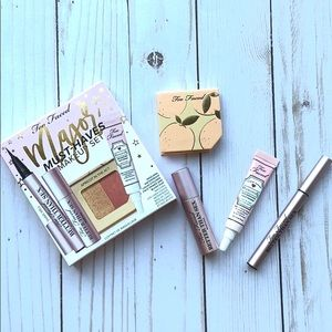 TOO FACED MAJOR MUST-HAVES MAKEUP SET 💞